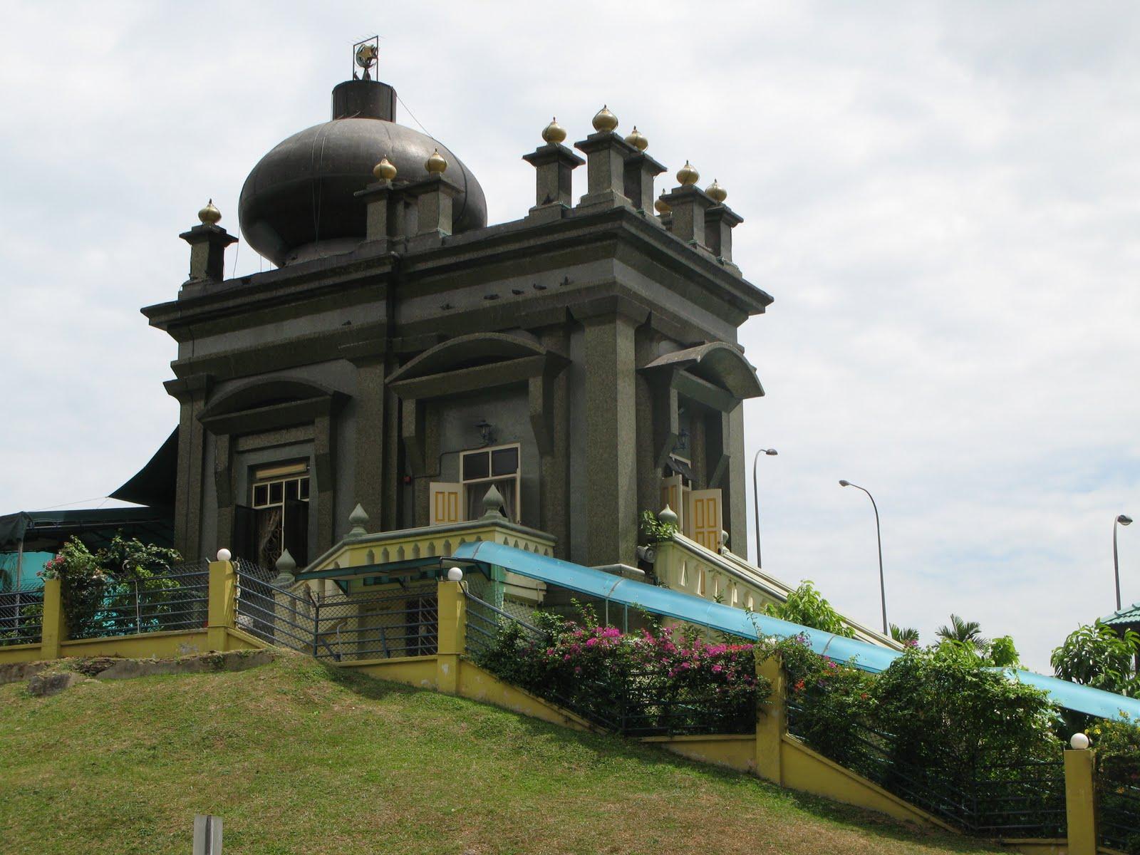 Makam Habib Nur